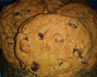 Oatmeal Peanut Butter Chocolate Chip Cookie Craze