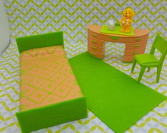 Plasco Bedroom Twin Bed  Desk and chair Peach and Lime Toy Dollhouse Traditional Style 1944