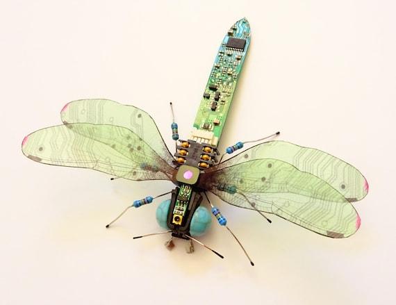Julie Alice Chappel rovarjai számítógép-alkatrészből
