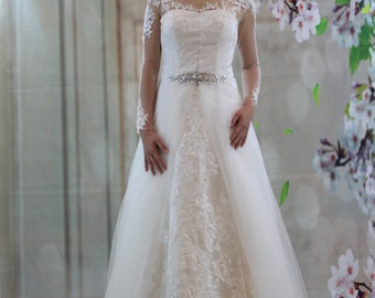 Classic full lace A-line bridal gown, sweetheart princess long sleeves wedding dress