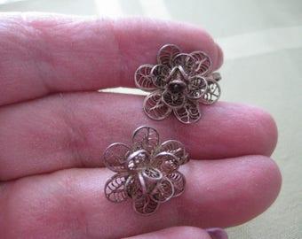 Vintage MEXICO SILVER Marked Flower Shape Filigree  Screw Back Earrings