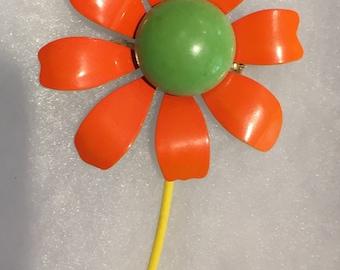 Vintage Mid Century Enamel Flower Brooch / 60's Daisy Brooch/Costume Jewelry