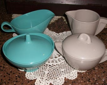 Vintage Mid Century Boonton....Turquoise and Gray Sugar Bowls and Creamers...Great Condition...Melmac..Melamine...Boonton Ware