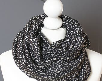 Infinity scarf //  Snood fabric hearts black white