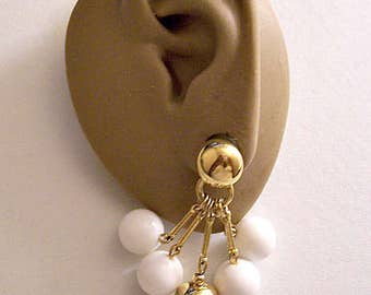 Liz Claiborne White Bead Bar Dangles Pierced Post Stud Earrings Gold Tone Vintage Smooth Long Five Bar Round Domed Button