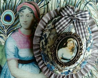Jane Austen's collection, brooch ,model Mrs darcy