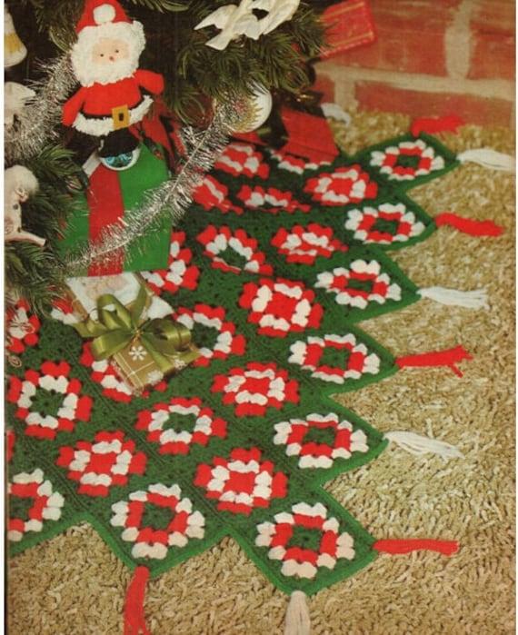 Crochet CHRISTMAS TREE SKIRT Pattern Vintage 70s Crochet Granny ...