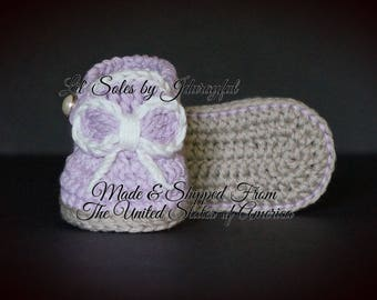 Crochet Baby Shoes, Baby Girl Shoes, Baby Shower Gift, Purple Baby Shoes, Crochet Baby Booties, 0-3 Months, Purple and White Baby Shoes