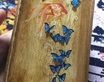 Butterfly dream - miniature 3D resin painting in a wood plate