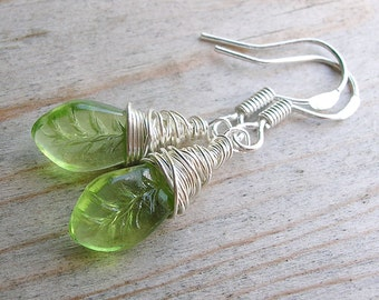 Peridot Green Earring - Leaf Earring - Silver Wire Wrap Earring - Dangle Earring - Spring Summer Fashion