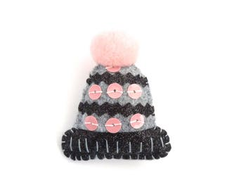 Brooch Hat gray pink and black glitter