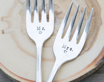 Wedding Forks - Vintage Forks - Mr. & Mrs. - Vintage Silverplate Wedding Forks - Wedding CAKE Forks