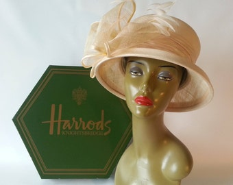 SALE!!!  Elegant Peter Bettley Hat and Hatbox from Harrod's of London