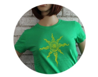 Screen-printed Shirt, Sun T Shirt, Ladies Fitted Cotton Crewneck Short Sleeved Graphic Tee, Kelly Green, Womens Clothing, Soft Vintage Style