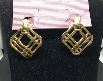 Vintage Gold Monet clip on earrings