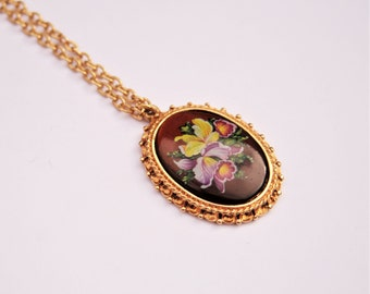 Floral Cameo Necklace // 70's Vintage glass cameo pendant on chain // Gold plated // Made in England // Ladies Vintage Gift Idea