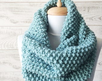 Chunky Knit Scarf Blue Seed Stich Scarf Knit Infinity Scarf Womens Scarves Fall Winter Fashion Knit Cowl / FAST DELIVERY