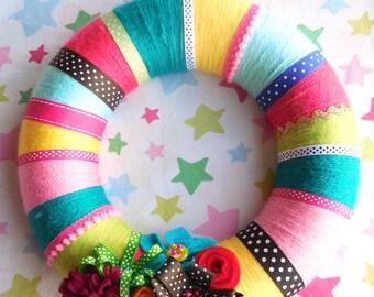 Yarn and ribbon wreath pattern