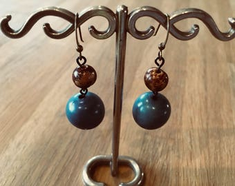 "Earrings ""Tagua"" vegetable ivory ball blue"