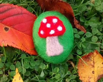 Felted toadstool pebble
