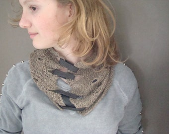 Knitted leather cowl shawl neckwarmer necklace eco  linen summer spring Italian recycled. From JJePa