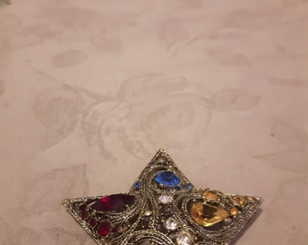 Vintage Large Gold Tone Star Colorful Rhinestones Brooch - Red, Emerald Green, Blue, Yellow and Clear Rhinestones - 1970s