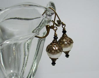 Cream Pearl Earrings. Swarovski Pearls and Crystals. Cream and Black Earrings. Pearls and Brass. Vintage Style.