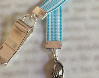 Sea shell Bookmark / Shell Bookmark / Beach Lover Bookmark - Clip to book cover then mark page with the ribbon. Never lose your bookmark!