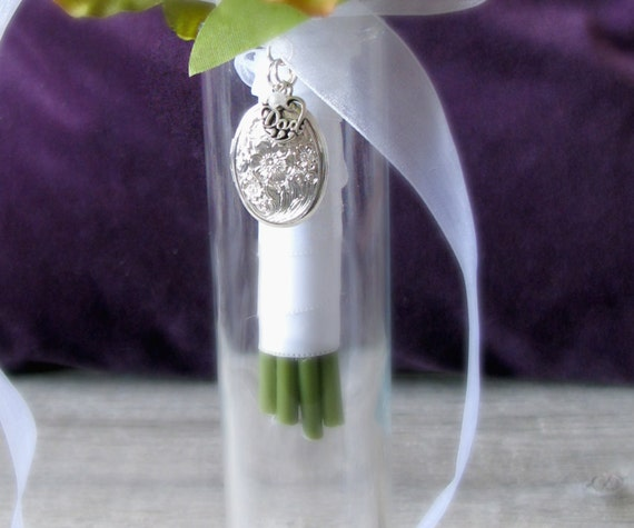 Brides Bouquet Locket in Memory Of Dad, Silver Plated Locket with Sterling Silver Charm