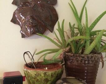 Chêne feuille céramique Greenman Relief Sculpture Tenture murale - terre cuite & homme vert bleu masque tapisseries brun orange en terre cuite poterie