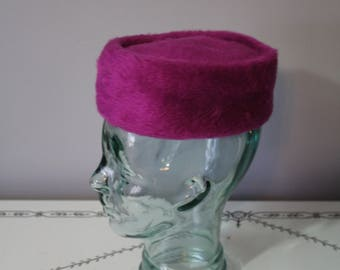 1970s Magenta Furry Pillbox Hat