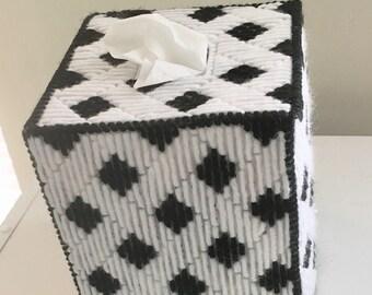 Black and White Lattice Tissue Box Cover
