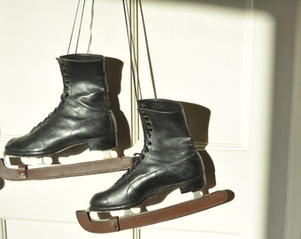Vintage 1920's Hudora Ice Skates Black Leather Boots- Detachable - UK size 7