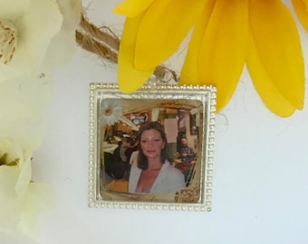 Wedding bouquet remembrance charm.  I will do your photo