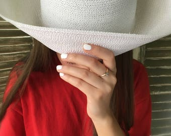 Vintage ladies breton hat white straw