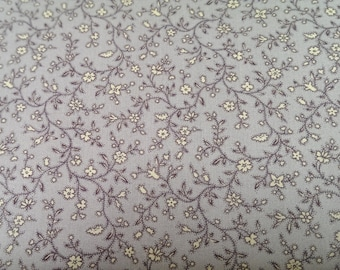 Floral fabric. Ditzy floral in lilac and white - 100% cotton Fabric