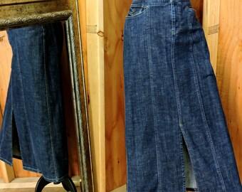 long denim skirt / size M  / 8 / 9 / 90s Eddie Bauer denim maxi skirt / long jean skirt / boho hippie western long denim skirt