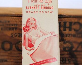Vintage Fleur-de-Lys Blanket Binding Box
