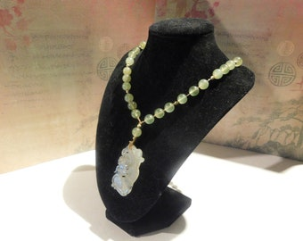 Light Green Jade Necklace with Pendant