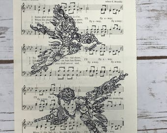 "Hymn ""I'll Fly Away"" with sparrows"