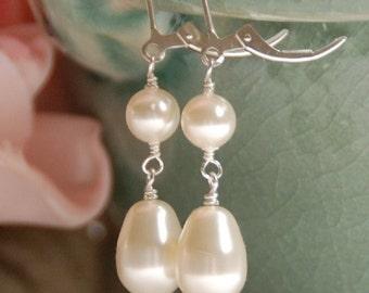 Pearl Earrings, Bride Dangle Pearl Earring, Swarovski Pearls in Sterling Silver, Bridesmaid Jewelry Gift, Pearl Gift, The Serenity Earrings
