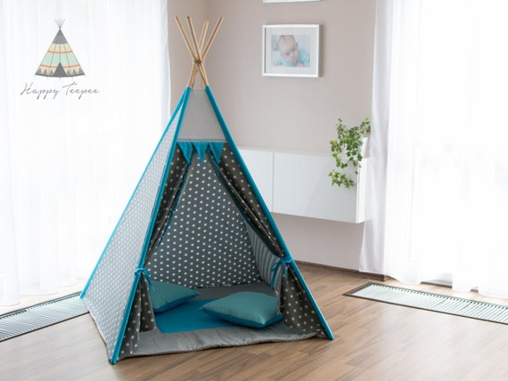 tipi gris avec des toiles et tipi indien turquoise fait la. Black Bedroom Furniture Sets. Home Design Ideas