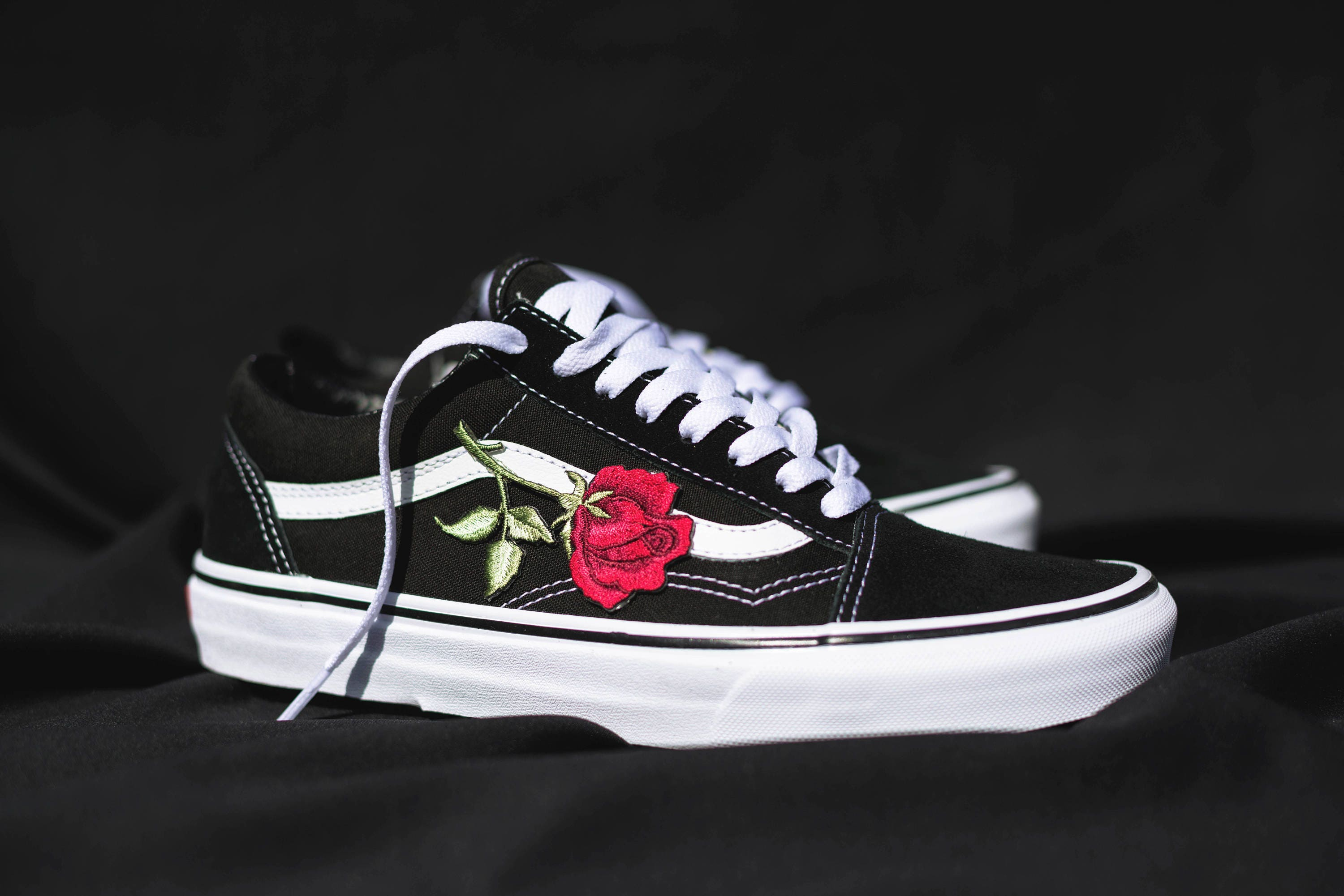 Vans Old Skool Custom Big Rose Patch EUR 34.5 ... online  Custom gucci ... 30fd90834