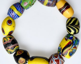 11 Mixed Venetian Trade Beads in Good Condition - Vintage African Trade Beads - 8886