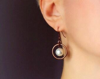 White Pearl Earrings Copper Earrings Hoop Earrings Pearl Earrings White Pearl Jewelry Modern Minimalistic Earrings Fashion Everyday Earrings
