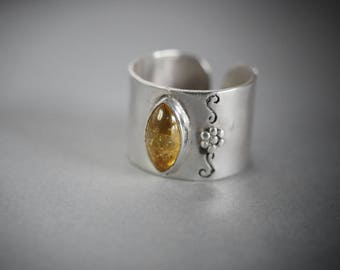Sterling Silver and Citrine Ring with flower