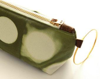 Tie Dye Green Clutch - Contemporary Shibori Wristlet Clutch - Moss
