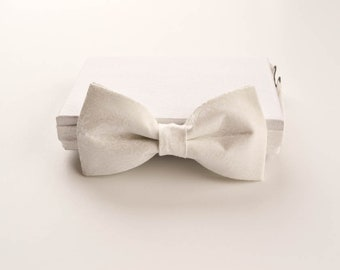 White Floral Pretied Bow Tie - Adult Wedding Bow Tie - Adjustable Mens Bow Tie