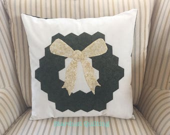 Christmas Pillow, Wreath Pillow, Pillow and Cover, Decorative Pillow, Hostess Gift, Housewarming Gift, Gift for Her, Grandmother Gift