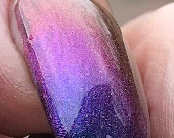 Waves of Light multichrome holographic nail polish